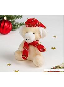 Мягкая игрушка Зимнее волшебство Хрюша в шапочке и шарфе 11 см (красный)